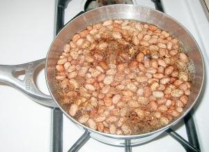 Frijoles de la hoya beans in a pot erica 39 s cocina - Hoya de cocina ...